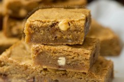 Chewy Pumpkin Spice Blondies with White Chocolate and Cinnamon Chips