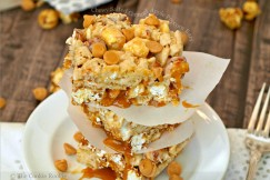 Chewy Salted Caramel Apple Popcorn Bars