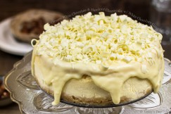 Creamy White Chocolate and Hazelnut Cheesecake with White Chocolate Ganache