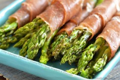 Crisp Asparagus Bundles with Creamy Goat Cheese Wrapped in Prosciutto