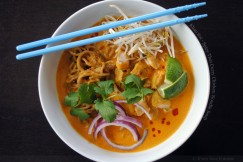 Khao Soi &amp;#8211; Spicy Thai Curry Chicken Noodle Soup