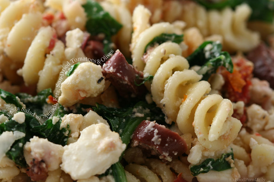 Pasta salad with spinach, feta, sun-dried tomatoes and ...