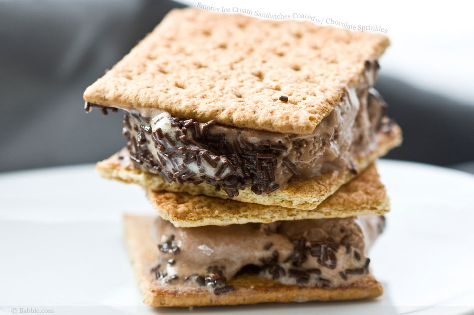 smores-ice-cream-sandwiches-with-chocolate-sprinkles.jpg