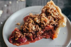 Sweet, Tart, Oozing Strawberry Rubarb Crumble Pie